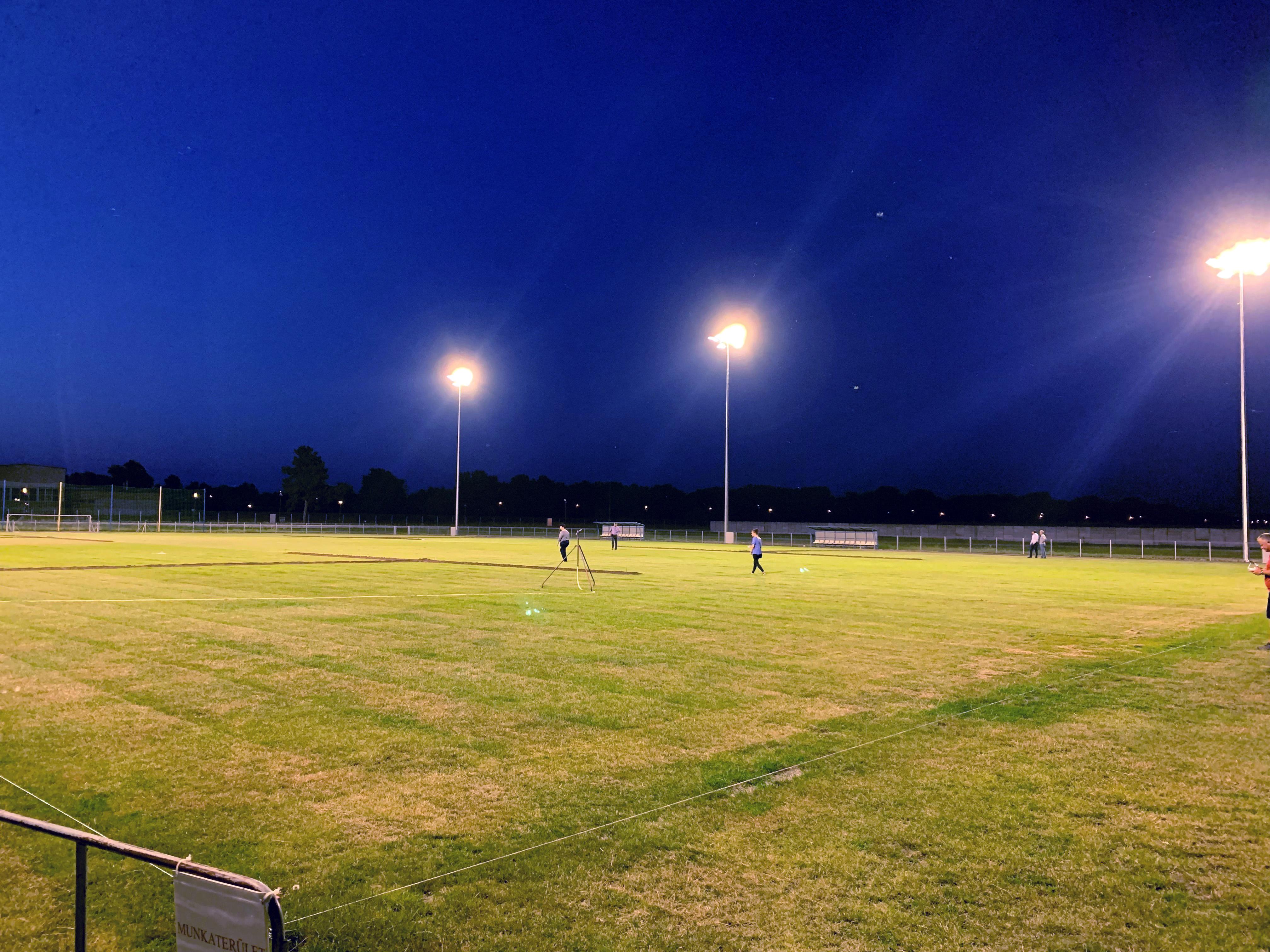 FC Tiszaújváros – nagypálya 350lux világítási rendszerrel, 2