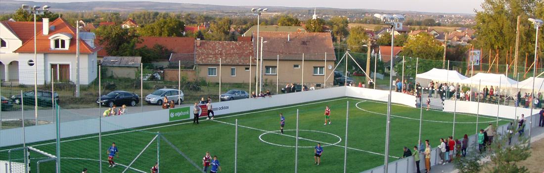 Futballpálya világítás, Csomád